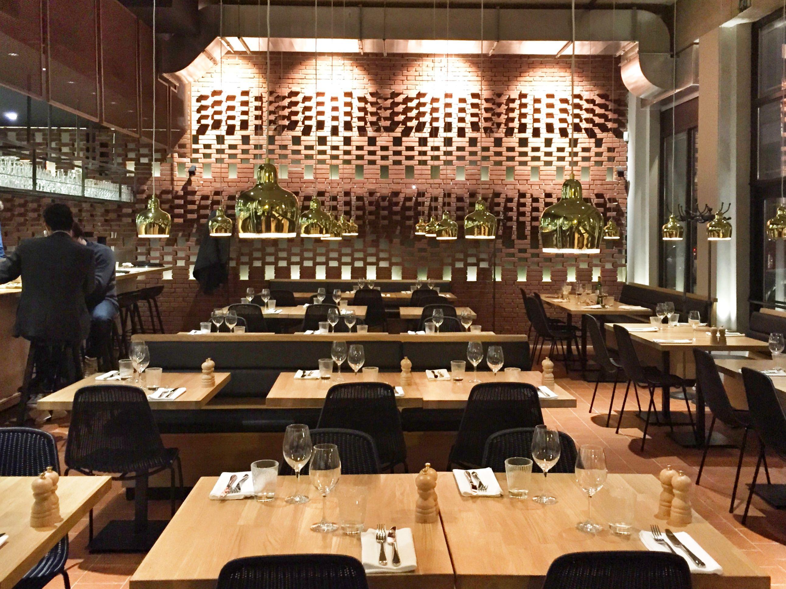 Le Colonel Restaurant De Viande A Bruxelles Deco Cuisine Salle
