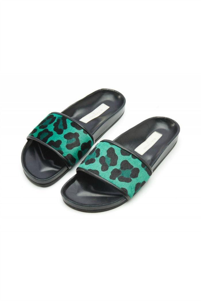 Pony hair slipper shoes by L'Autre Chose.  #lautrechose #leopardprint #shoes #sandals #flatsandals #fashion #ss15 #spring #summer #womanfashion #trend