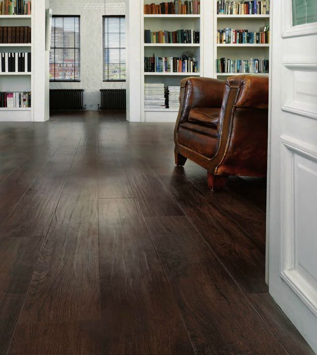 Wooden linoleum vinyl flooring looks like wood for Dark wood vinyl flooring