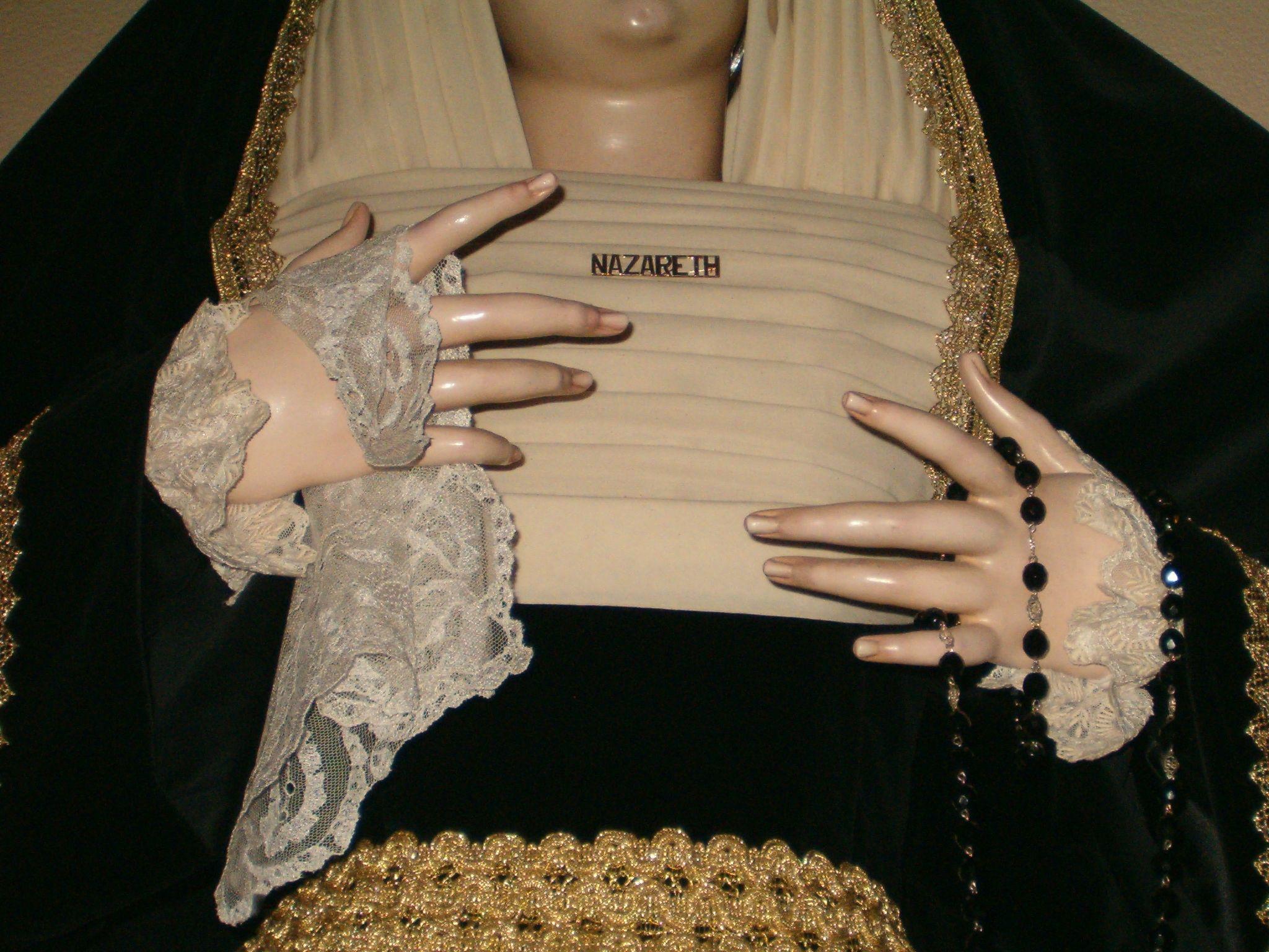 detalle de la imagen de la virgen de nazareth