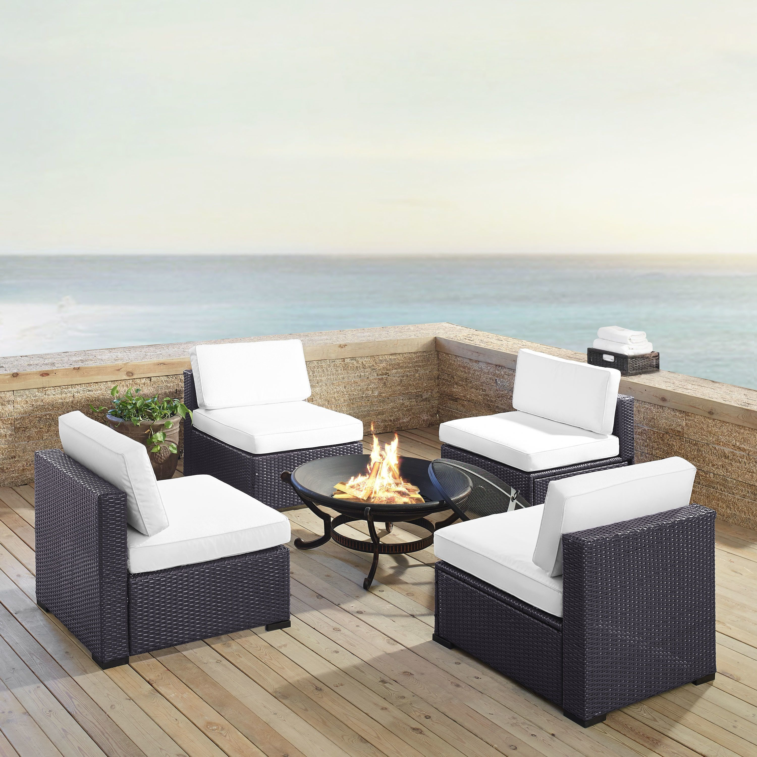 Crosley Furniture Biscayne 5-piece White Wicker Outdoor Seating Set ...