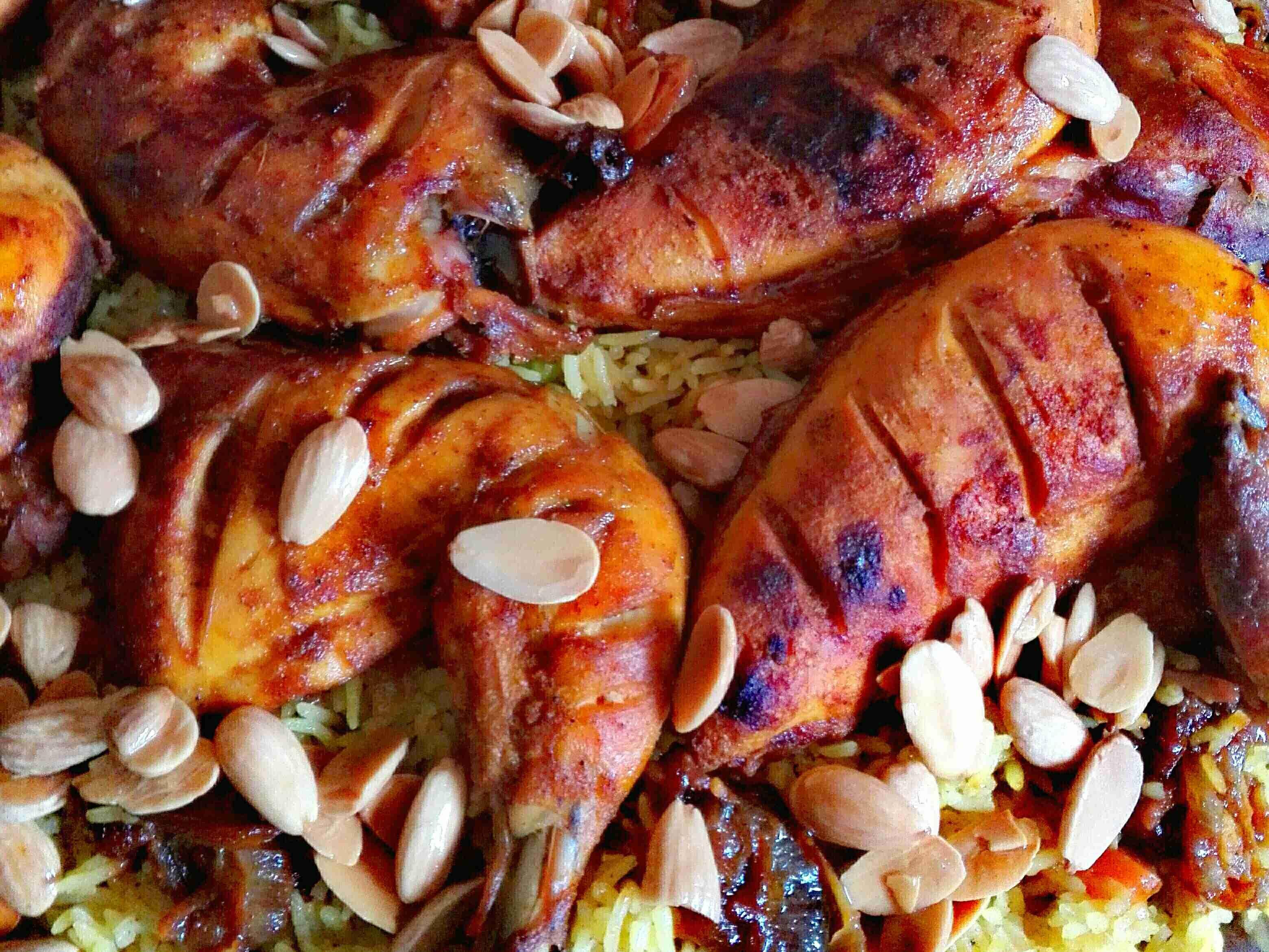 طريقة شوي الدجاج بتتبيله رووعه مع طريقة طبخ الأرز المميزه أطباق رئيسية عزيزتي المتابعة بصمت لتصلك مزيد من الوصفات ضعي لايك واتركي اي ت Main Dishes Food Dishes