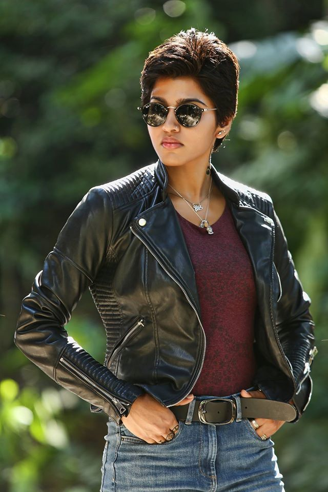 kabali movie stills and working stills starring rajini radhika apte