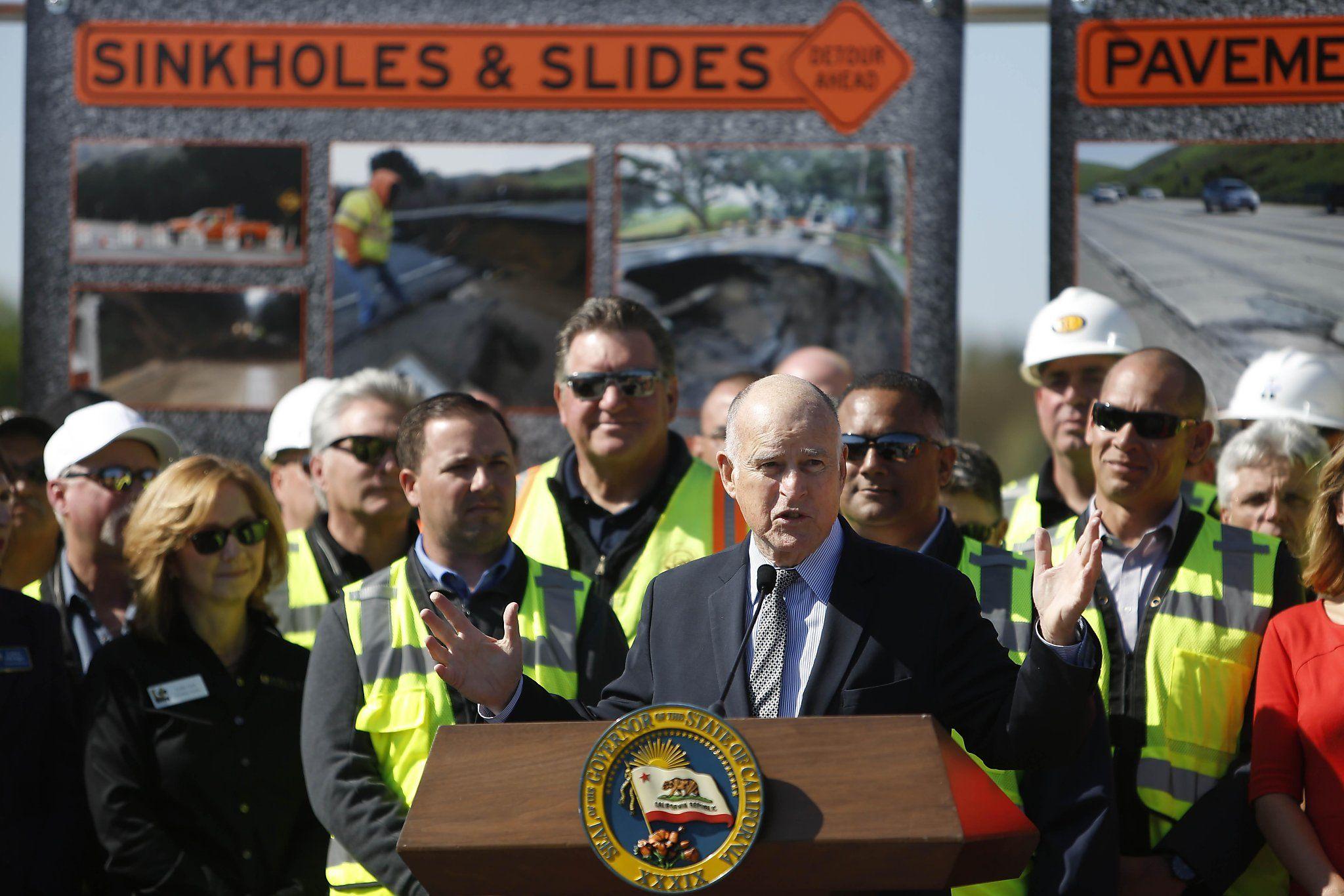 Gov. Jerry Brown plays hardball to pass transportation bill - San Francisco Chronicle
