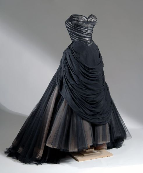 "Charles James ""Swan"" ball gown ca. 1954."