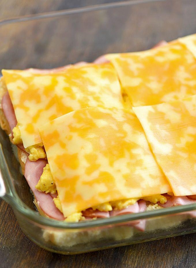 Ham Egg and Cheese Breakfast Sliders - Onion Rings & Things #breakfastslidershawaiianrolls