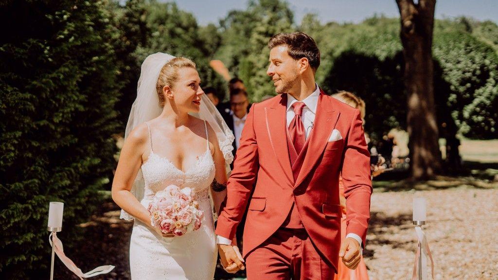 Caona Und Leonard Freier Foto Von Varenia Griebel Auf Www Bz Berlin De Hochzeit Hochzeitskleid Spitze Kleider
