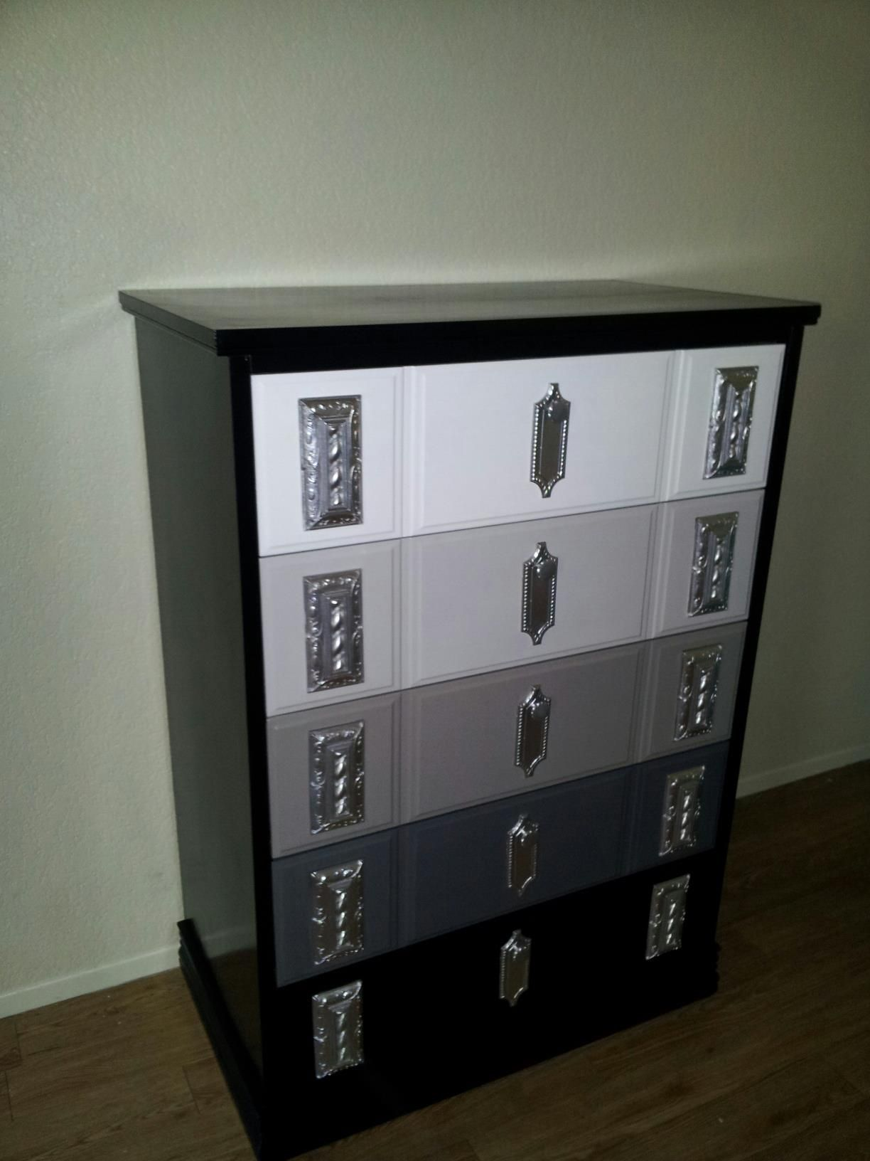 Best 5 Drawer Dresser Repainted With A High Gloss White Three 400 x 300