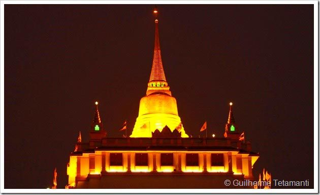 Bangkok é uma imensidão, com várias opções para o turista que escolheu a cidade para começar sua aventura pela Tailândia. Os pontos turisticos de Bangkok são fascinantes, uma verdadeira experiência para entender e aprender um pouco sobre a cultura tailandesa.