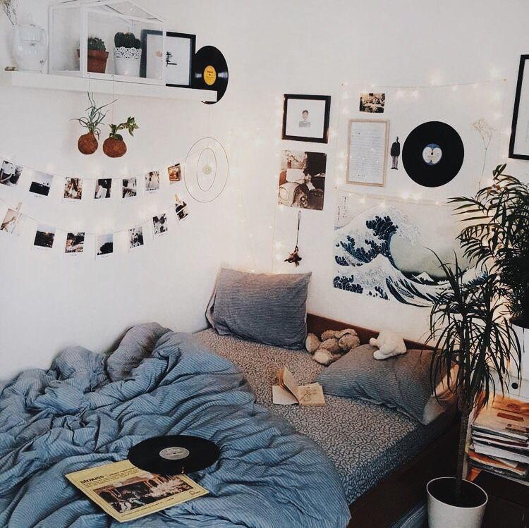 Aesthetic Tumblr Wall Decor In 2020 Dorm Room Diy Aesthetic Room Decor Room Decor