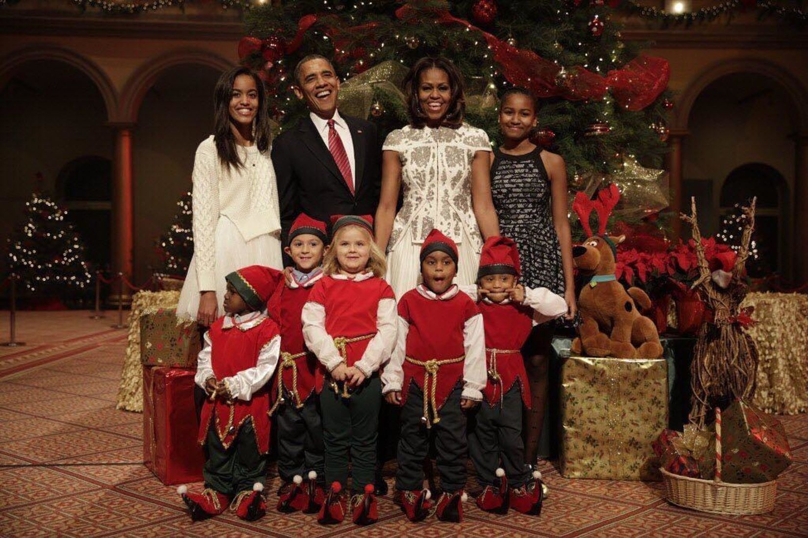 HappeningNow On #NITM: Official Christmas portrait from Family Obama ...
