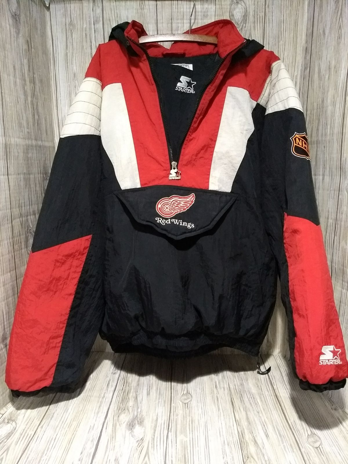 Nhl Red Wings Pullover Half Zip Starter Jacket Coat Center Ice Collection Mens Xl Preloved Normal Wear And One Flaw Pictured A Nhl Red Wings Jackets Zip Coat