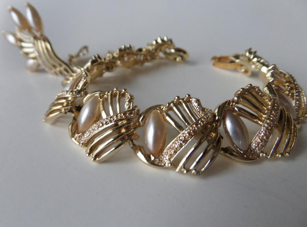 Faux Pearl Gold Panel Bracelet & Clip Earrings Openwork