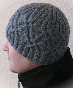 простая мужская шапка спицами схема и описание вязания вязание