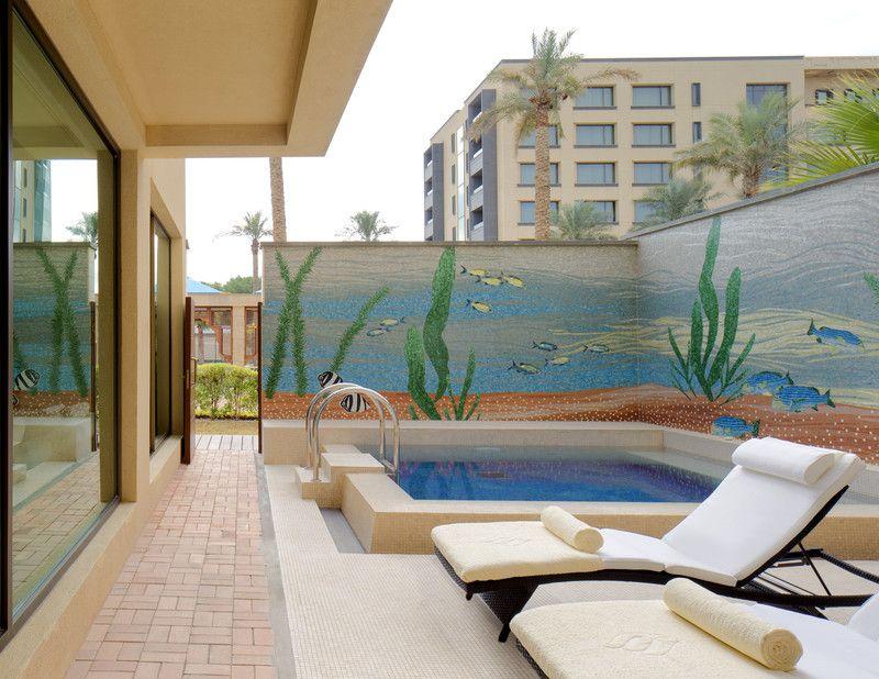 Jumeirah messilah beach hotel spa kuwait villa - Jumeirah beach hotel swimming pool ...