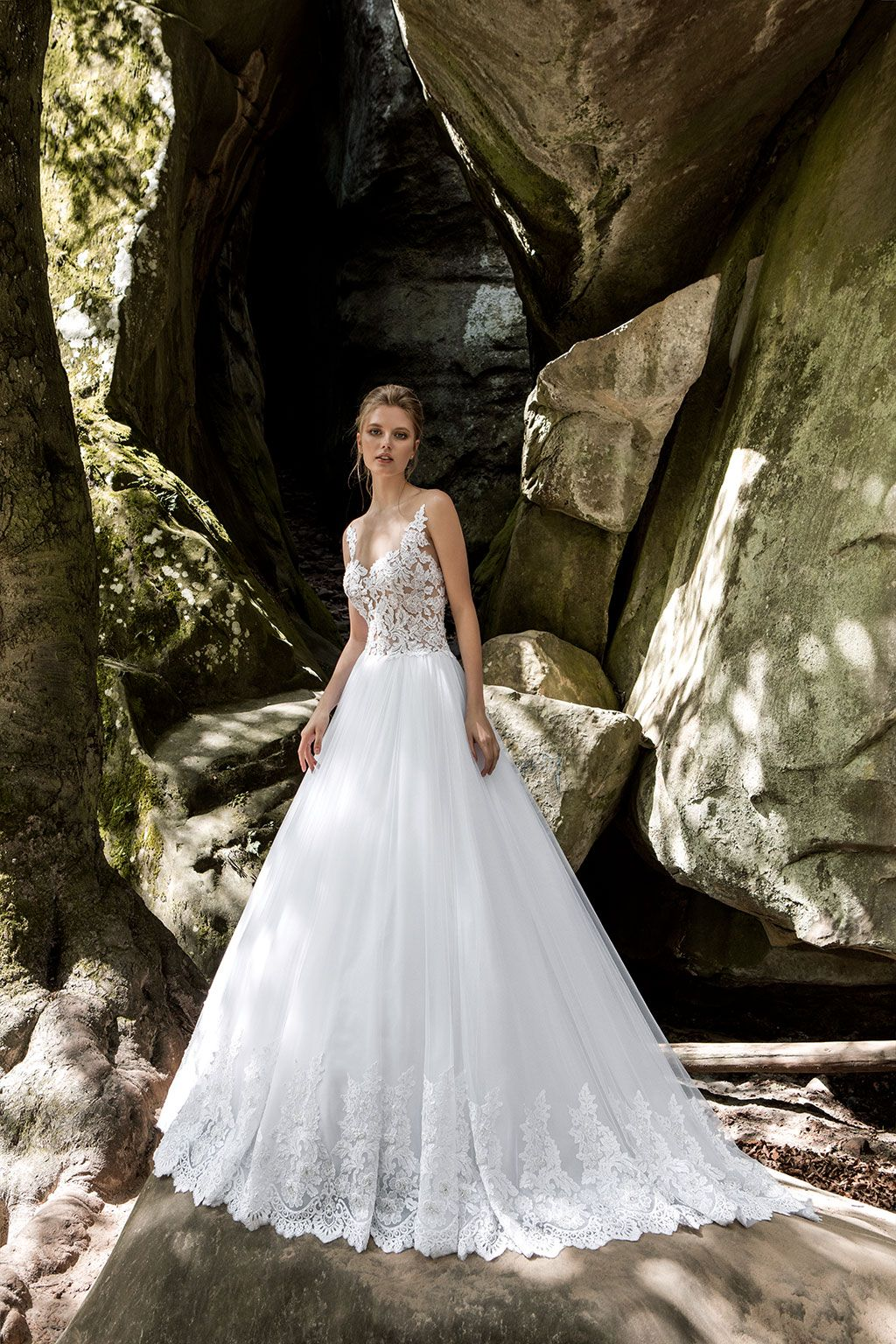 Lace ball gown wedding dresses  Viero Bridal Couture wedding dresses  wedding dresses lace  ball