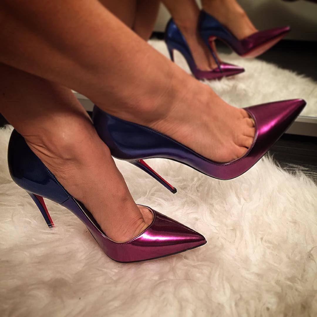 73023922103 Purple pumps