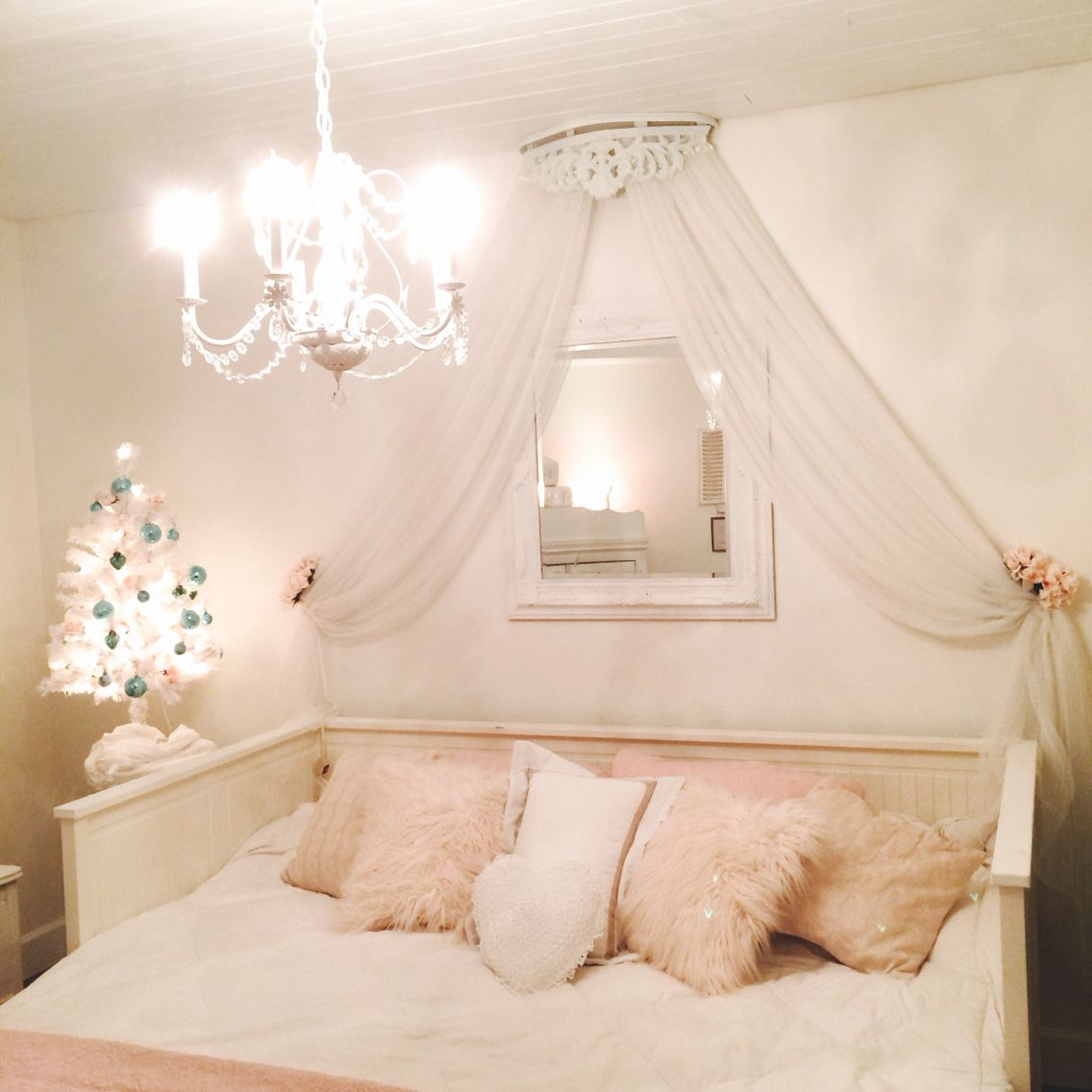 20 Bedroom Chandelier Designs Decorating Ideas: White Wood Ceiling, IKEA Hack, Day Bed, Crown, Chalk Paint