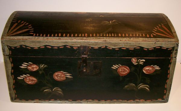 his is a wonderful decorated box fresh to the market and came directly from a home in the Mowhalk Valley, N.Y. Appears to be white pine with..http://www.jewettandberdan.com.