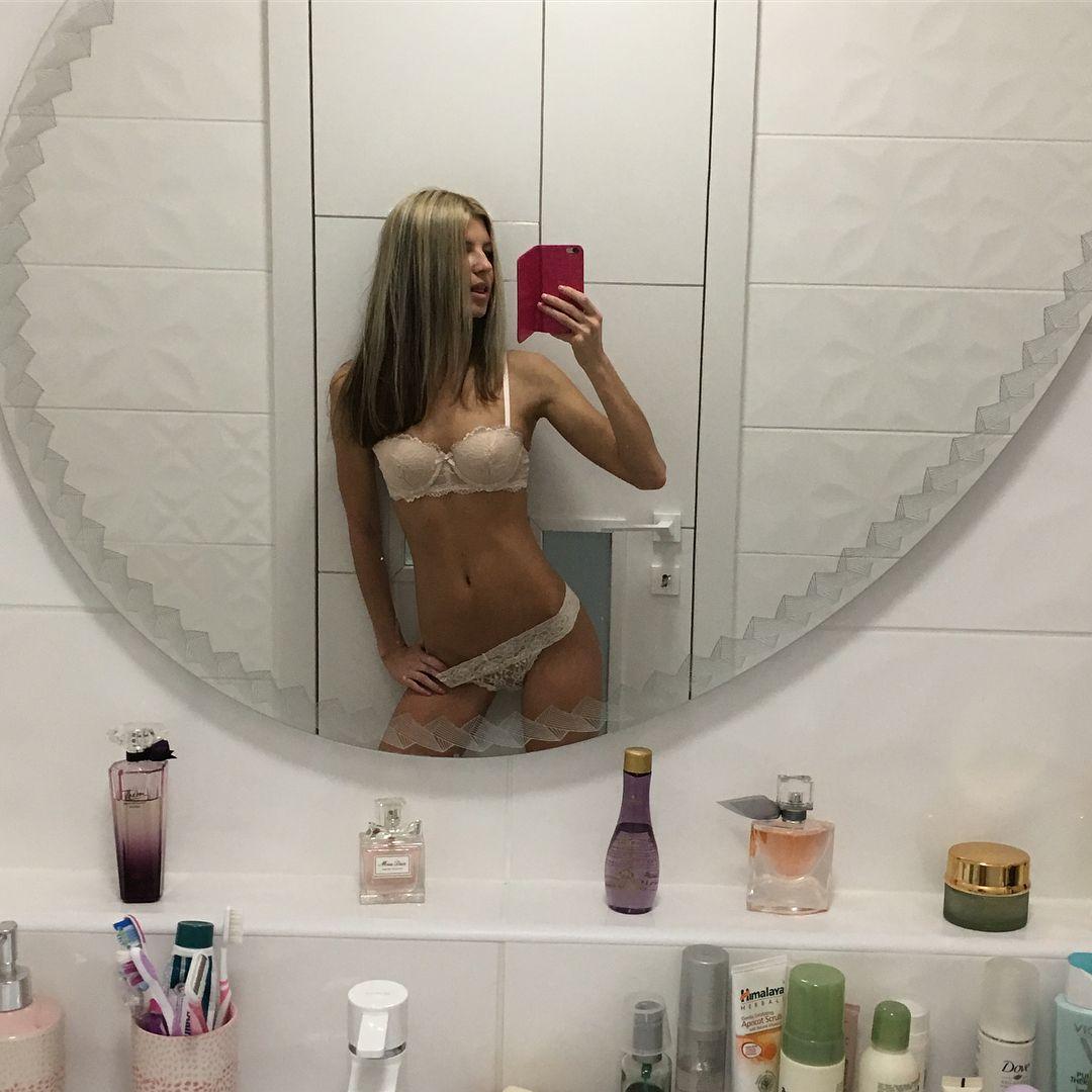 Pregnant big nipples breasts hot girls wallpaper