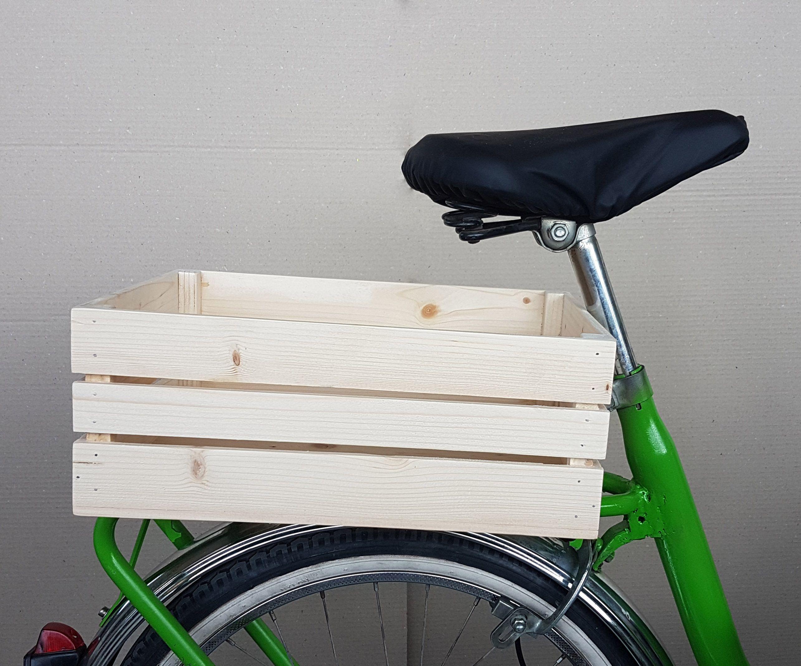 Cestino per bicicletta realizzato a mano con legno riciclato