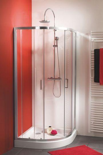 Petite salle de bain avec baignoire, douche, design House