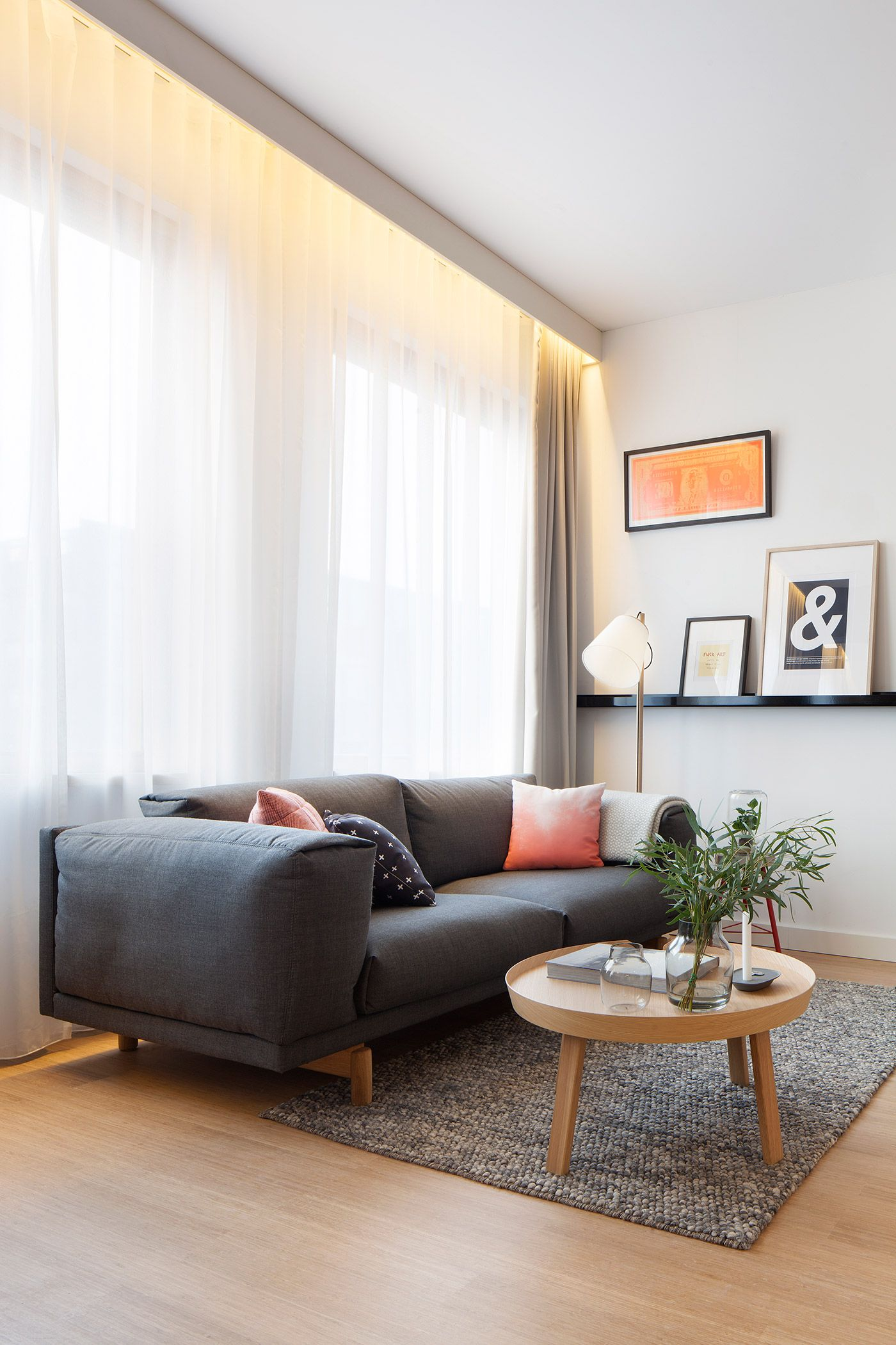 4 Awesome Small Studio Apartments With Lofted Beds   Small living ...