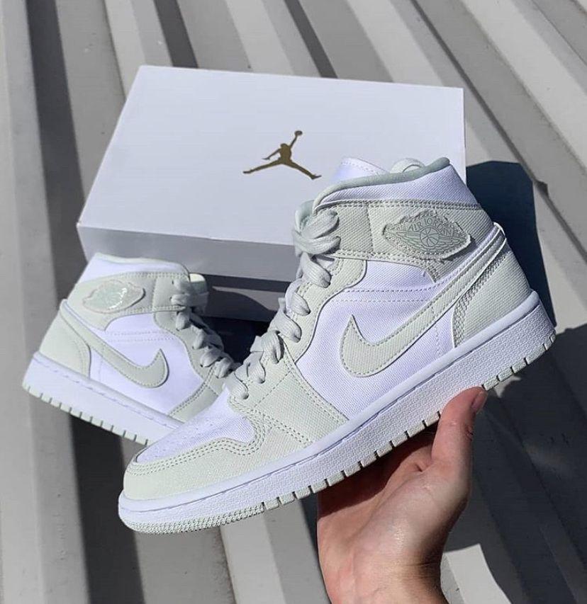 audiencia Rango Desconocido  air jordan 1 mid spruce aura   Air jordans, Jordan shoes girls, Sneakers  fashion