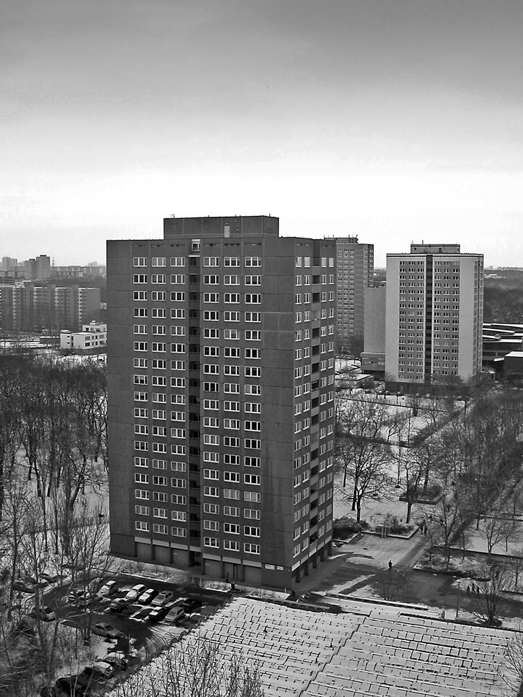 A Plattenbau Building In Lichtenberg Eastberlin From A Birdsview I Took The Picture In 2004 From The Roof Of A Plattenbau Building Plattenbau Bau