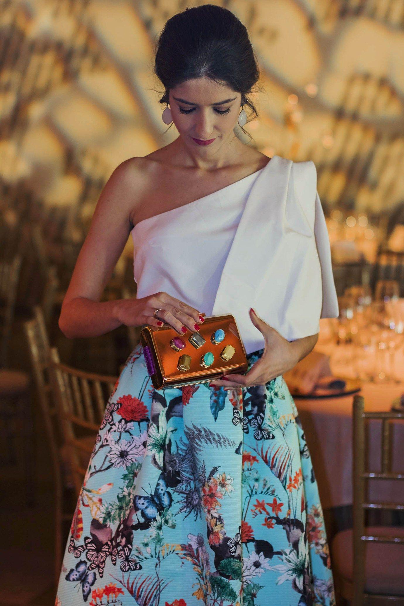 1d0022e35 Invitada Boda de Tarde  La Falda Estampada — Las fotos fueron realizadas en  La Quinta