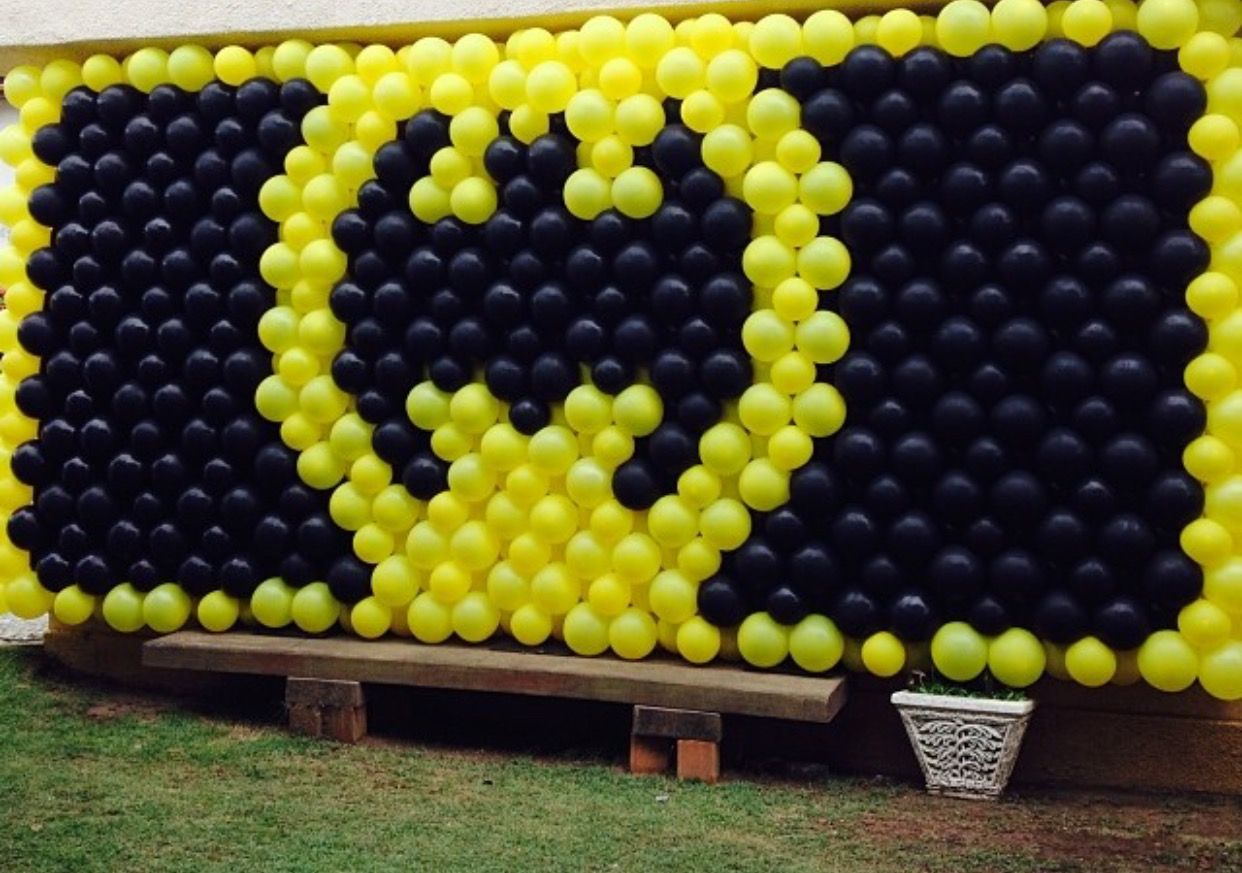 Pin by Nieves on pared | Pinterest | Batman, Balloon wall and Batman ...
