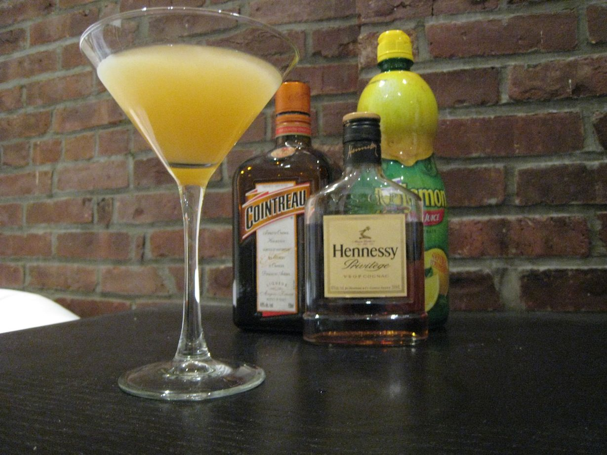 Hennessy Sidecar •1 fluid ounce cognac •1 fluid ounce Cointreau •1 fluid ounce lemon juice •Ice Just Mix in a Shaker & pour Strained Drink into Glass. This is My Favorite Drink. #henessydrinksrecipes