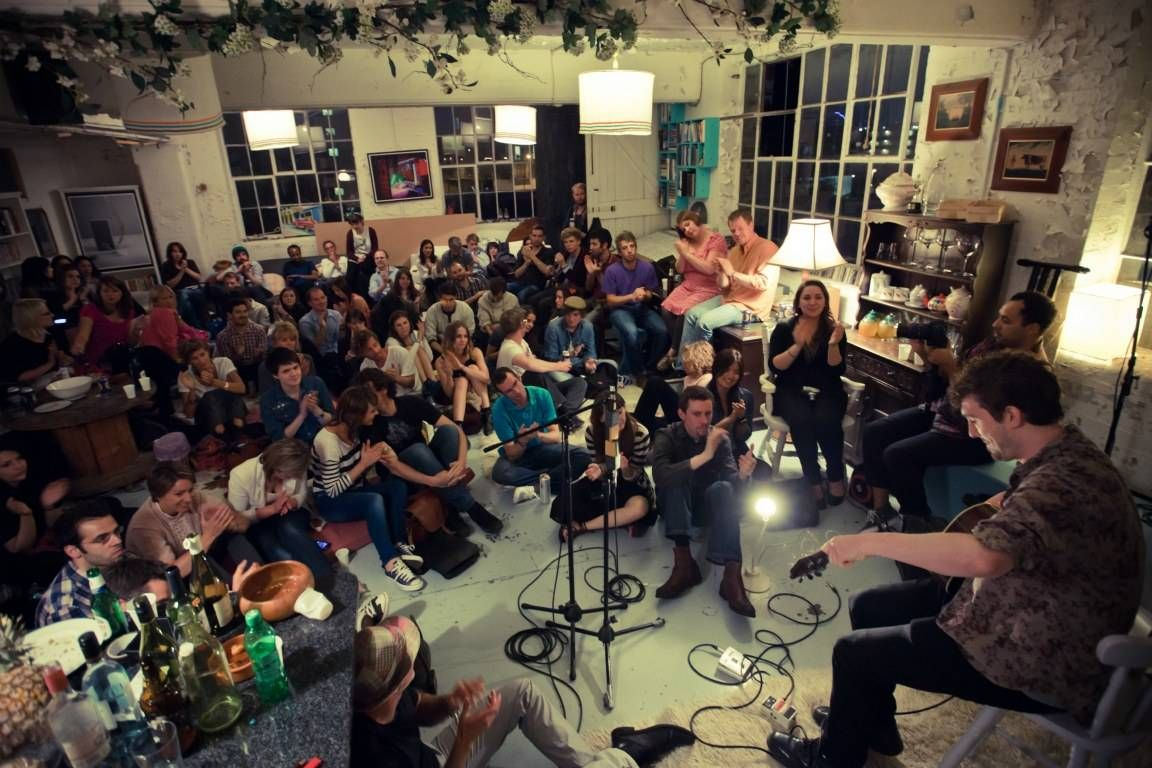 intimate concert setting- too crowded, but good vibe ...