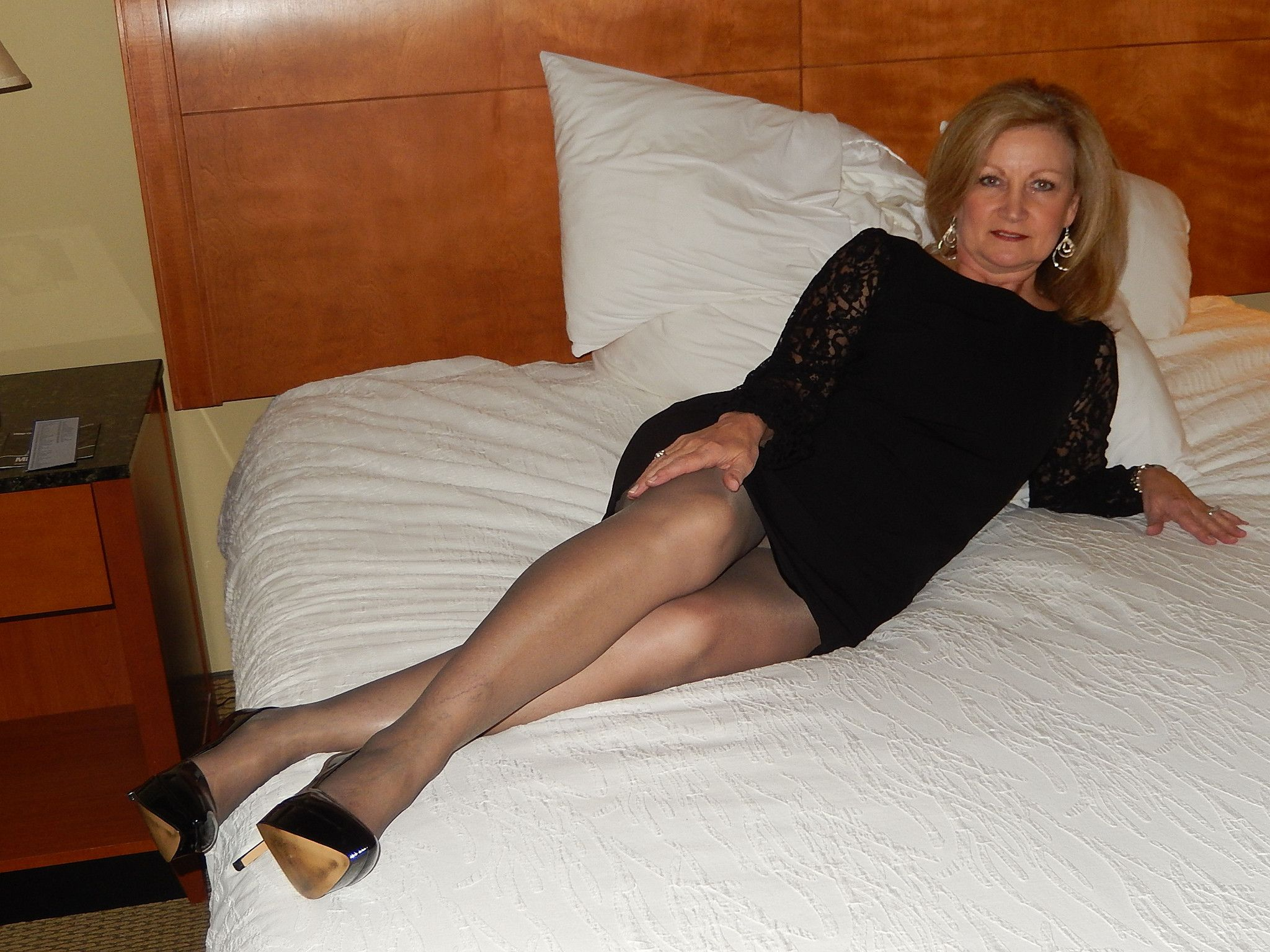 Gilf upskirt on bed | Hot mature ladies, milfs and gilfs ...