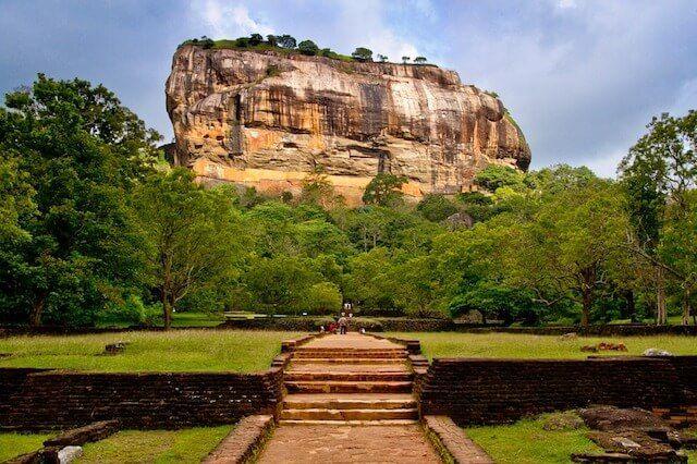Dambulla Mountain Sri Lanka Travel Guide Travel Traveltips