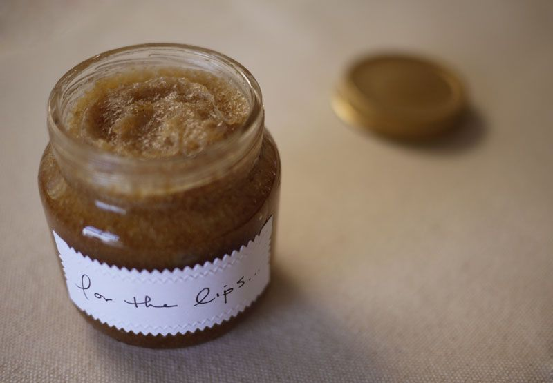 Make Your Own Lip Scrub