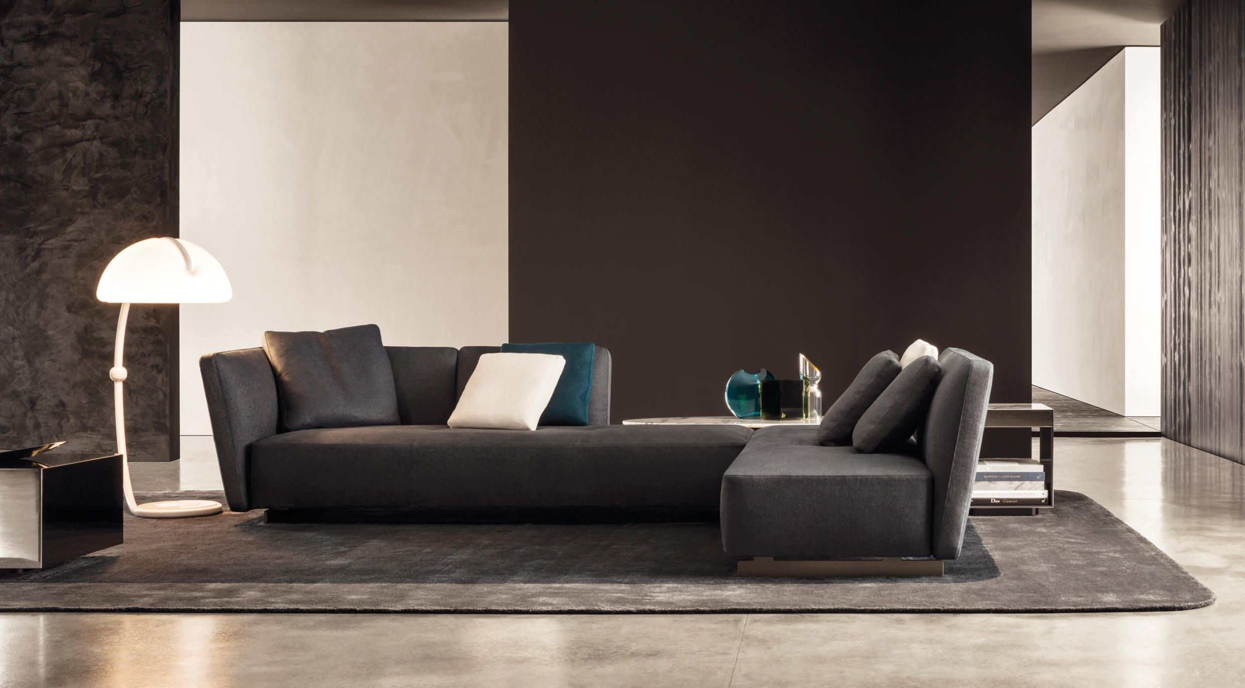 Minotti - freeman seating system 8 angle console | J2 Market research |  Pinterest | Lounge sofa, Consoles and Interiors