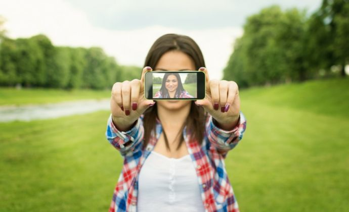 Periscope – kuin oma televisiokanavasi   Dagmar #periscope #socialmedia