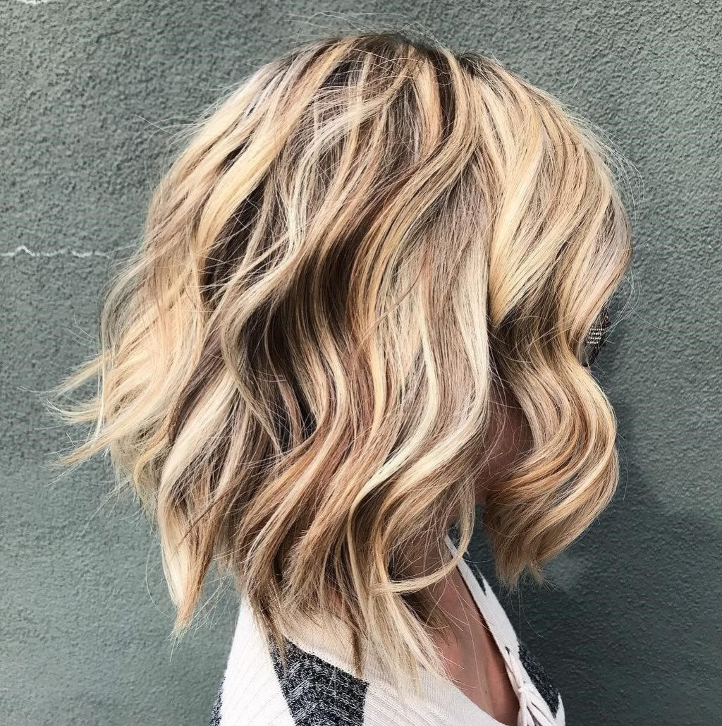 20 Long Choppy Bob Hairstyles For Brunettes And Blondes Choppy Bob Hairstyles Bob Hairstyles Messy Bob Hairstyles