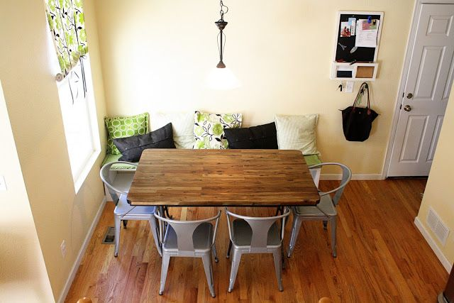 Breakfast Nook With Banquette Seating Diy Bench Against The Wall