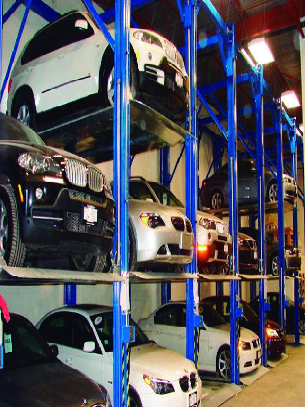 En Serretecno contamos con una variedad de soluciones para multiplicar espacios de estacionamiento como los Elevautos triple