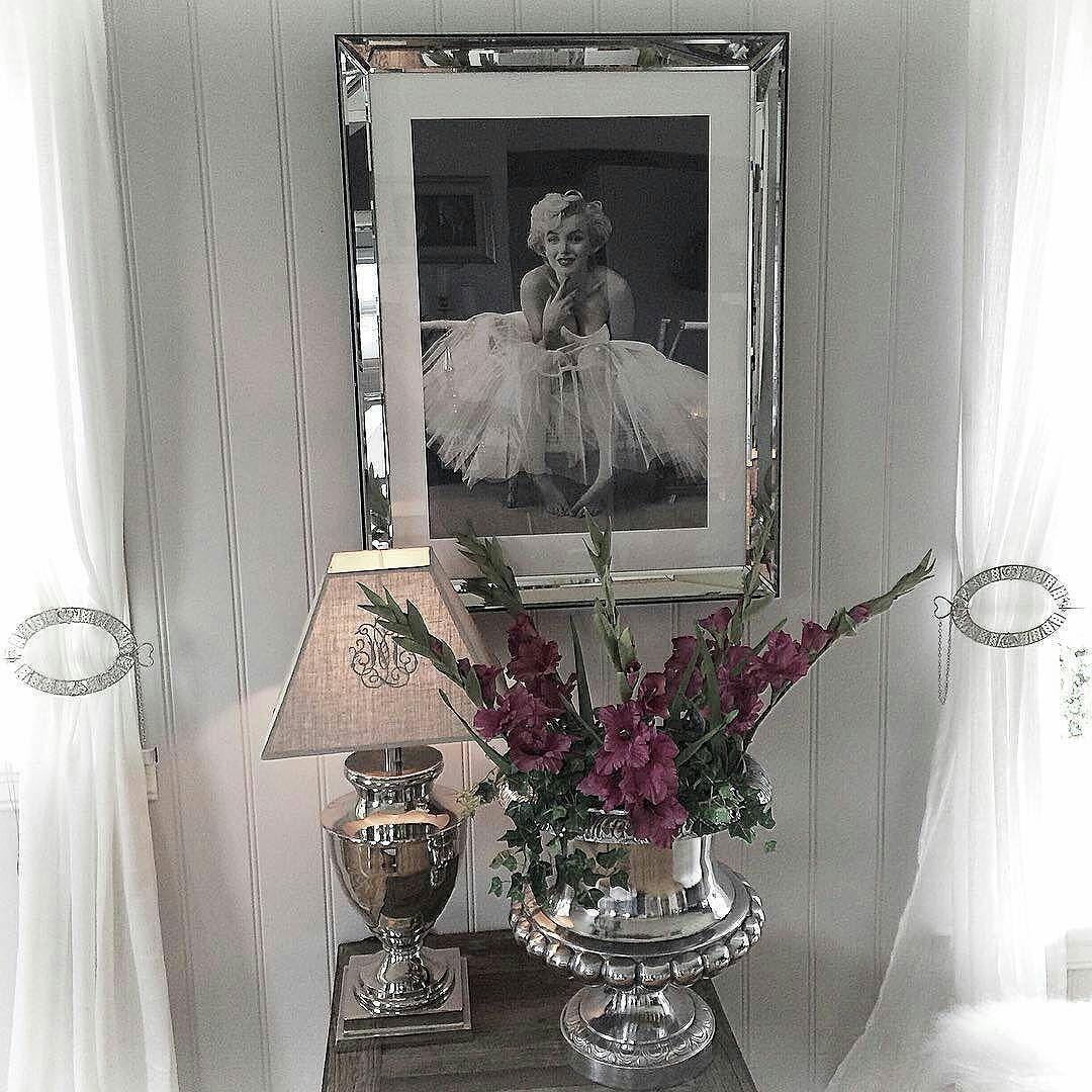 97aaa522 Lekkert med #Marilynballerina speilramme fra @classicliving i det flotte hjemmet  til @wenches_home #
