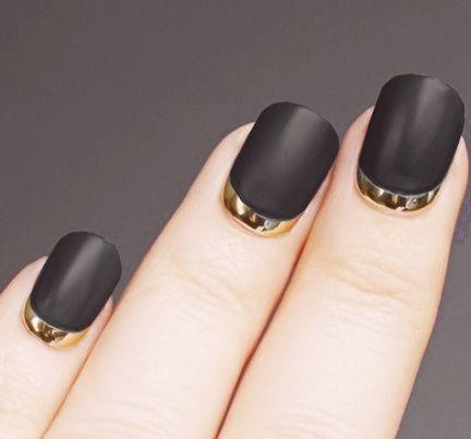 matte black  gold reverse french  uñas decoradas