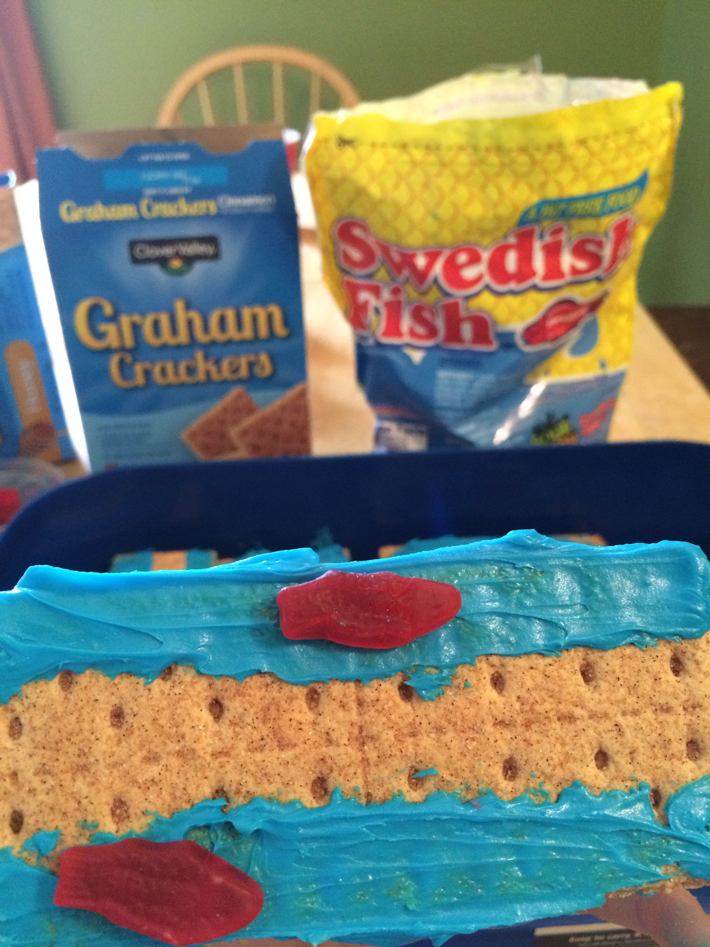 super easy moses red sea snack graham crackers blue icing