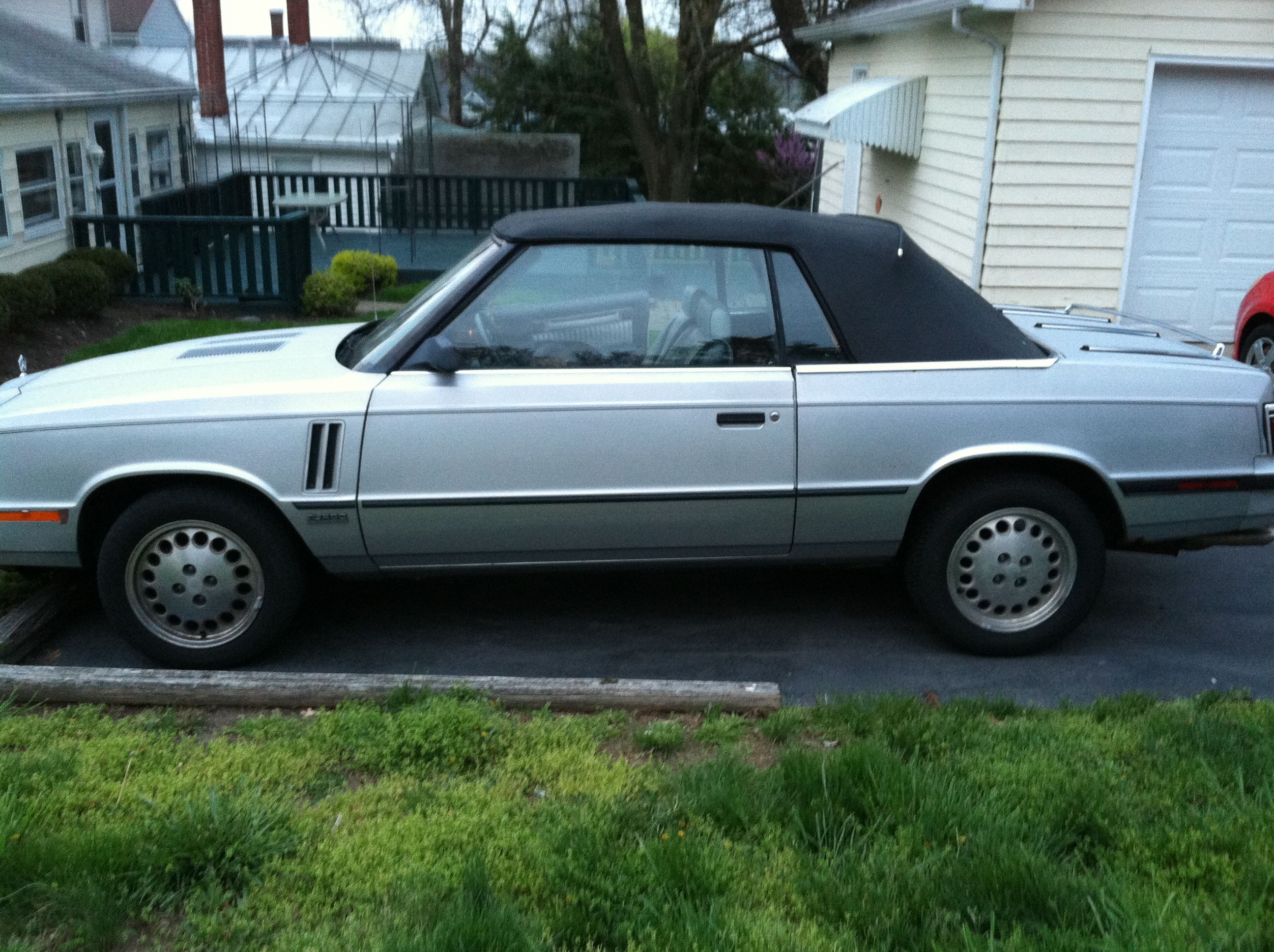 1984 Dodge 600 for Sale in Waynesville, Ohio. Email Daniellecoots@yahoo.com. $700 OBO.