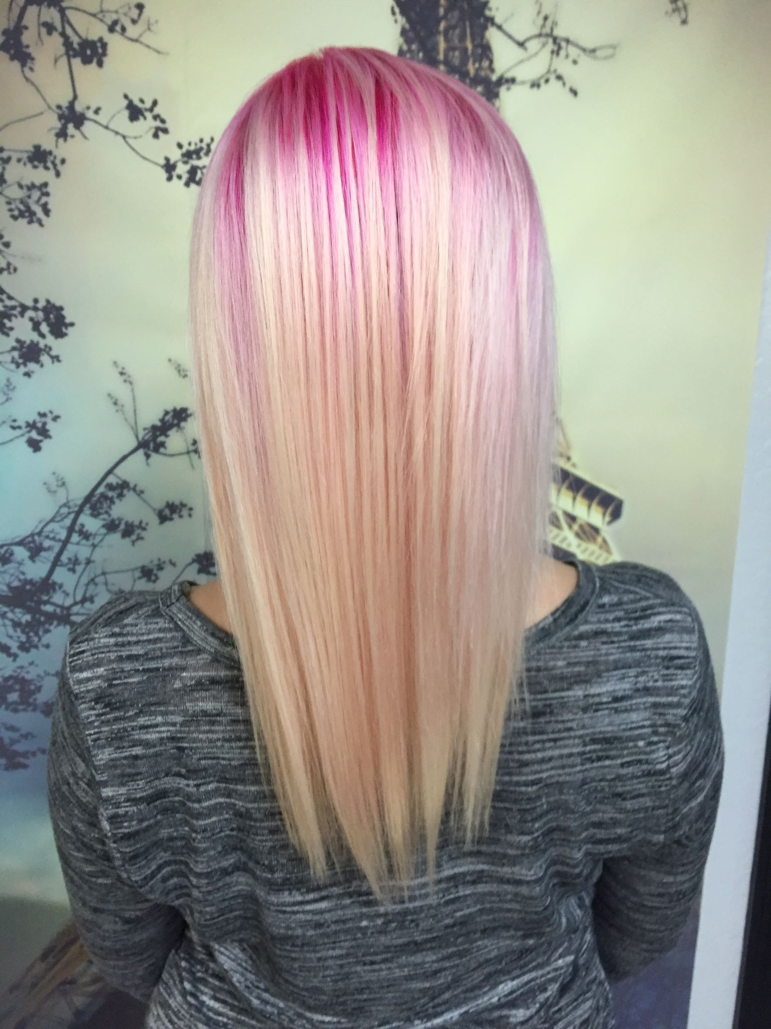 Pink To Platinum Pink Roots Fade To Blonde Pravanna Pink Platinum Hair Blonde With Pink Blonde Color Super Hair