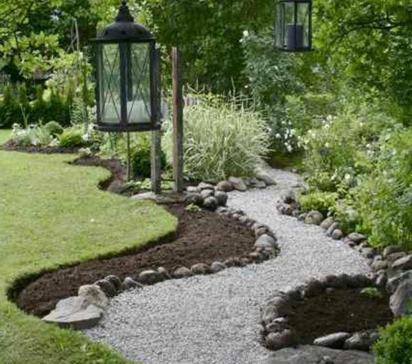 cr er le plus beau jardin avec le gravier pour all e gravier pour all e gravier et all e. Black Bedroom Furniture Sets. Home Design Ideas