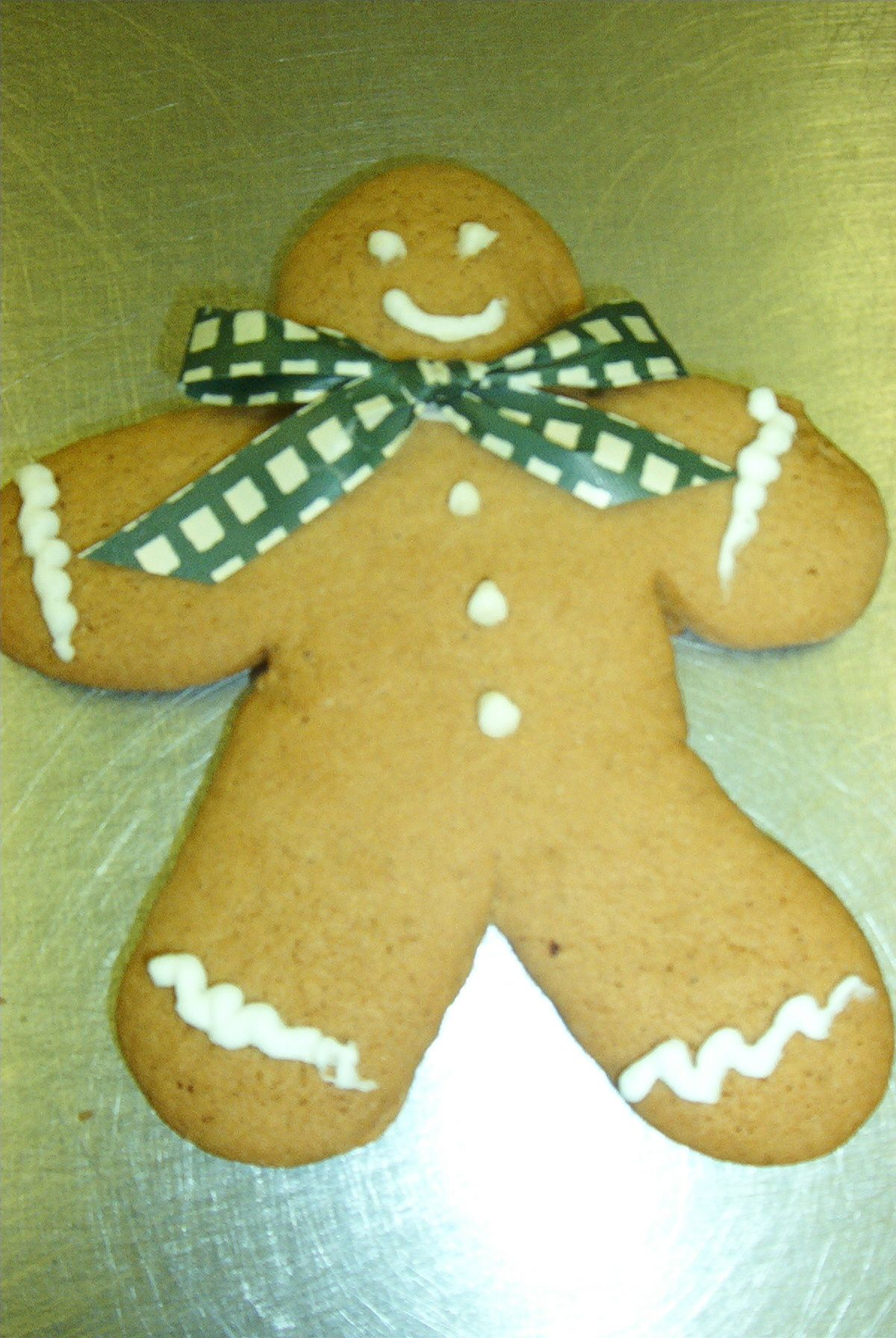 Gingerbread man with a bow! How cute and delicious! 29