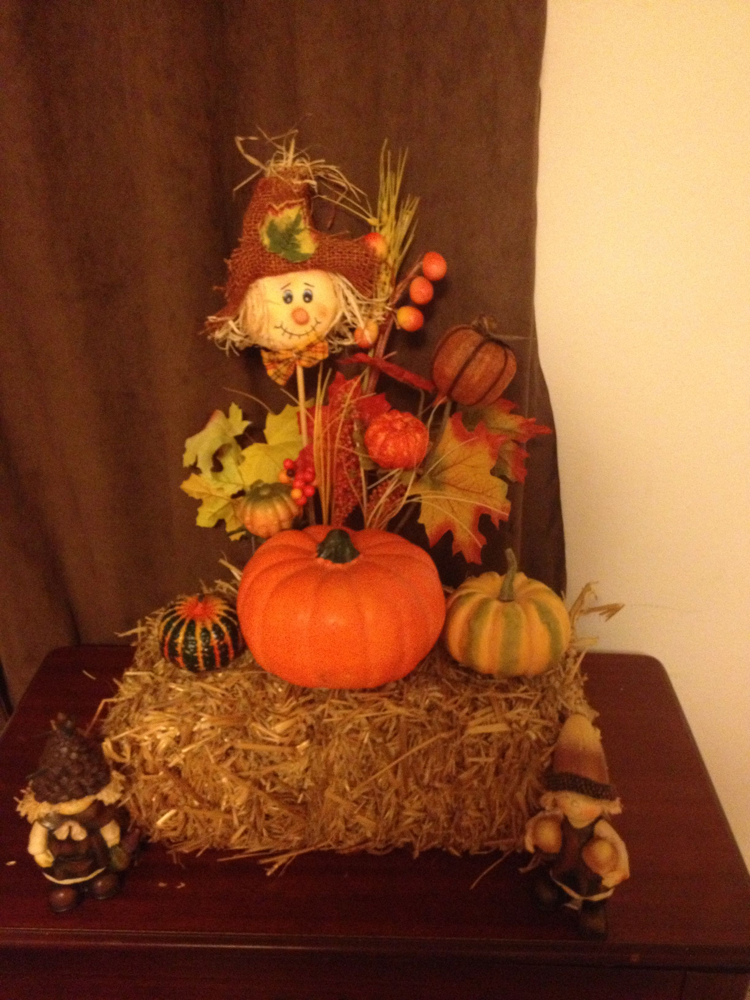 Indoor fall decor...maybe for my built-ins in the den ...