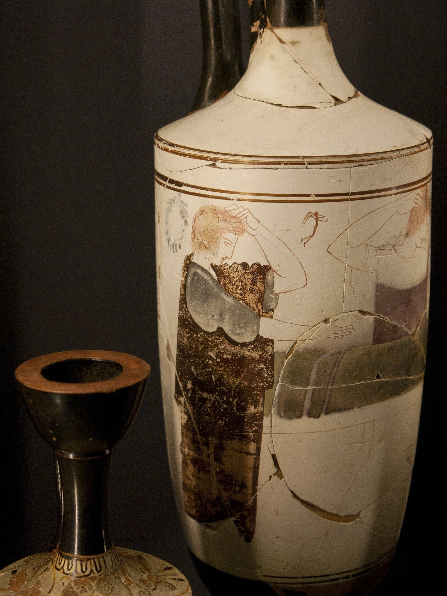 Mourning woman museums greek pottery and ancient art mourning woman white ground lekythos wien kunsthistorisches museum reviewsmspy
